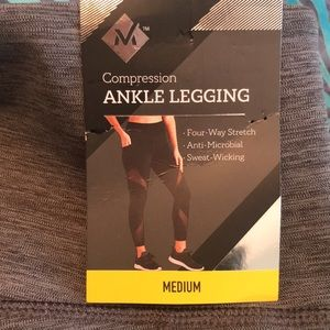 NWT Gray Compression Ankle Leggings